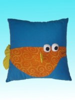 Coussin carré bleu Aqu'happy poisson orange
