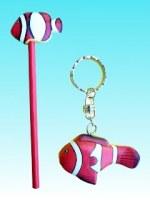Lot crayon et porte clés poisson clown