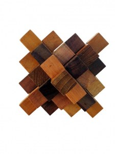 Casse tête double pyramide en bois