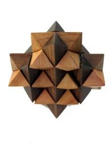 Casse tête polyèdre en bois