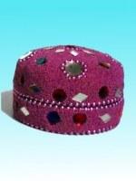 Boîte ronde rose avec perles