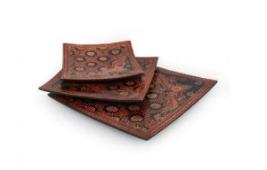 plat carré batik motifs orangés PM 16x15.5 cm