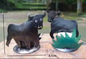bougeoir taureau en métal recyclé 8.5 cm