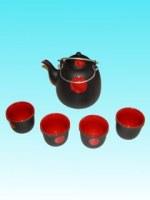 Service à thé noir et rouge avec 4 tasses