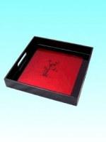 Plateau laqué carré noir et rouge motif bambou 32x32 cm