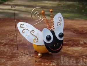 porte photo abeille métal recyclé 9 x 8 cm