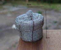 Boîte à bagues ou pilules perles recyclées couleur argent 5 cm