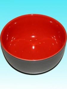Saladier rouge D:26 cm; H 12 cm