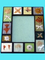 Mini cadre photocarrés fleurs fds noir